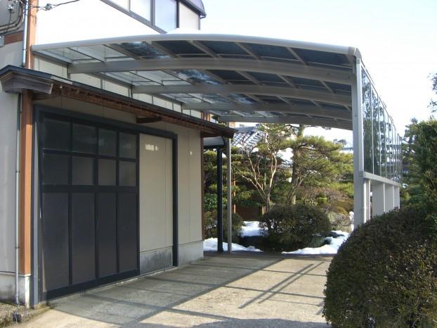カーポート TOEX 坂井町