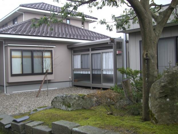 渡り廊下 折板カーポート応用 TOEX 丸岡町