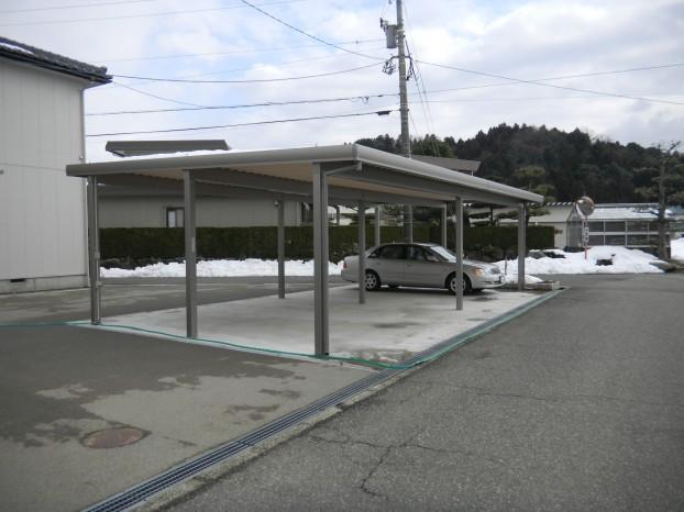 4台折板カーポート TOEX 福井市