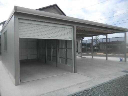車庫とカーポート 3台用 TOEX 福井市