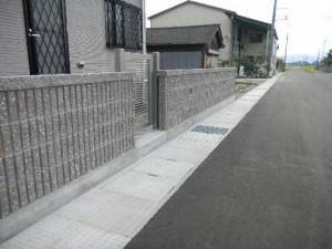 化粧ブロック 4段積み 笠置付き 福井市