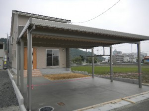 激安 積雪100cm折板カーポート 6本柱 福井市