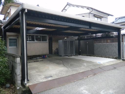 現場寸法鉄骨カーポート 間口広い 独自性 坂井市
