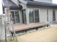 人工木材を使用した三協立山アルミウッドデッキ 福井市 y様邸