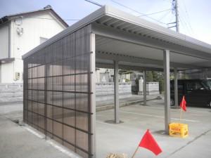 13mの広い折板カーポート