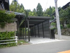 12本柱のエクステリアカーポート