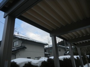 雪に強い折板カーポート
