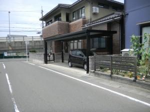 敷地に合わせたカーポート
